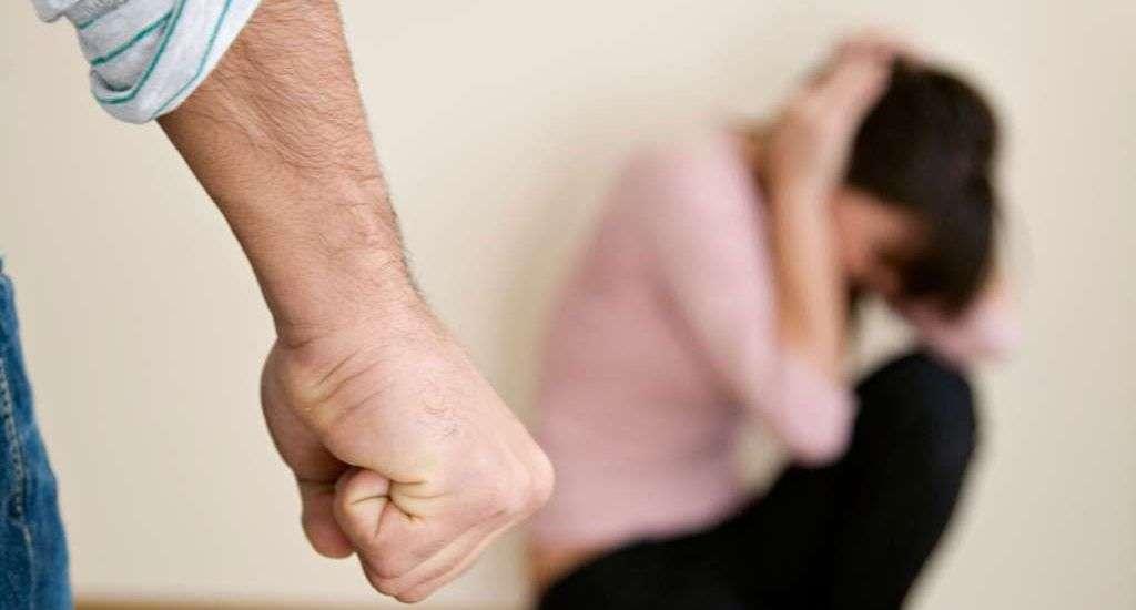 Randevú egy nővel, akit fizikailag bántalmaztak