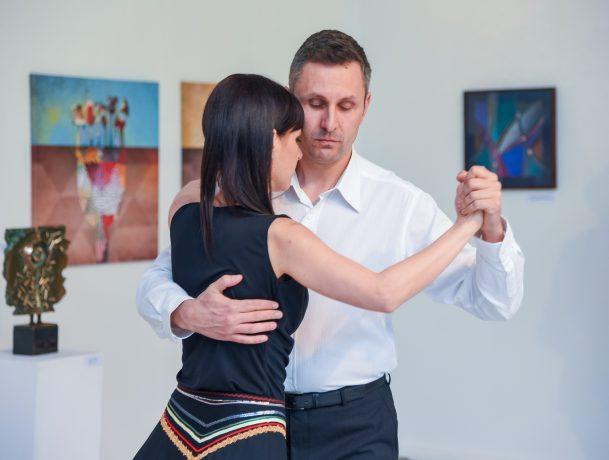 a flörtölés tánc közben